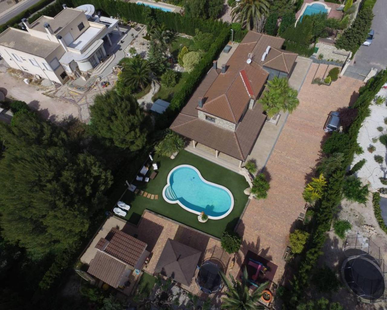 Resale - Villa - Alicante - Elda
